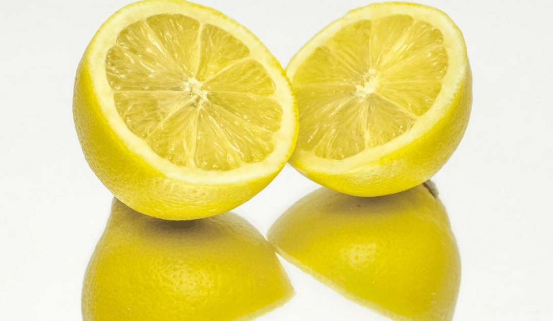 8 Benefits of Drinking Lemon Water in the Morning