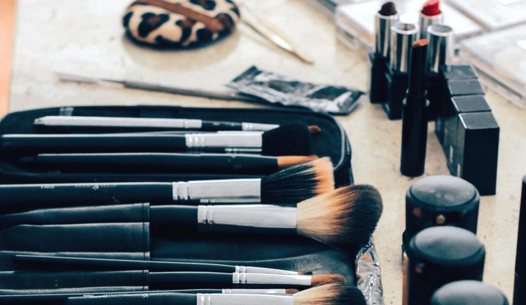 DIY Beauty Recipe for Luscious Eyelashes & Plump Lips